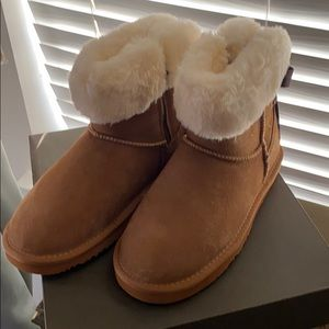 🥾LAMO Sheepskin Boots 🥾 **NEVER WORN**
